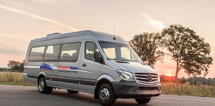 Minibus Cannes Mipim: book it for a day, night, airport transfer Nice Cannes