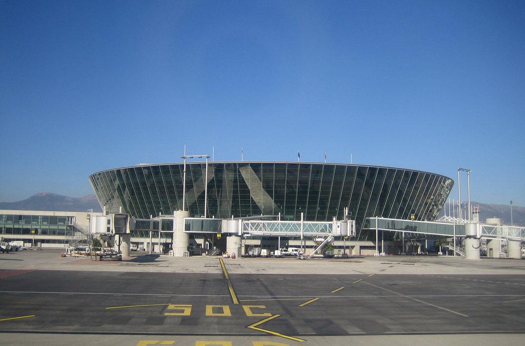 Votre bus a l' aeroport de Nice : louer un bus avec chauffeur